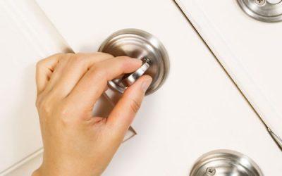 Cómo asegurar la puerta de entrada a tu hogar